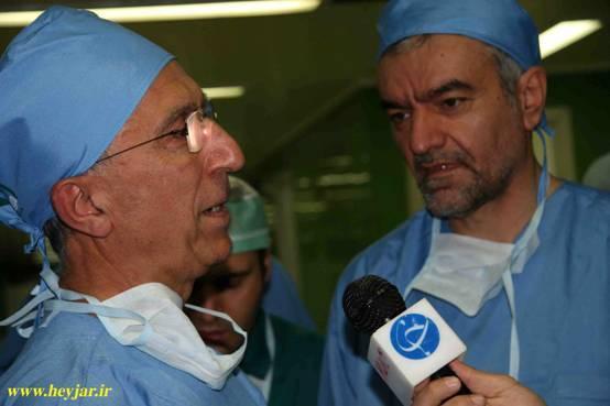 با همکاران پزشک